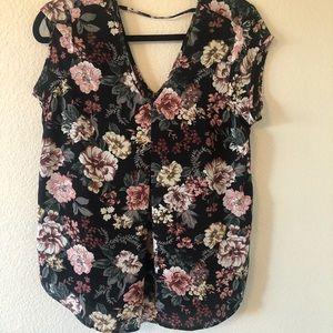 NWOT Halogen floral blouse